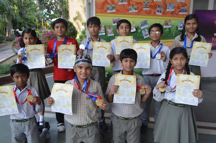 Winners of Brain O Brain. Prince Katiyar, Mritunjay Singh, Mansi Singh, Ayush Mishra, Abhishek, Devyanshi, Siddarth, Surbhi. (Ratanlal Nagar)