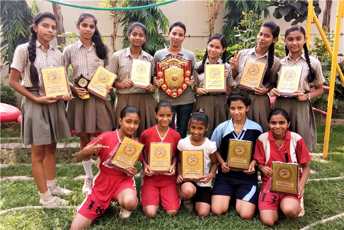 Once again our girls made us proud by bagging the First prize in the Inter School Kho-Kho Tournament. Jyotsna Yadav (Class-IX) was declared the BEST CHASER of the tournament. (Ratanlal Nagar)