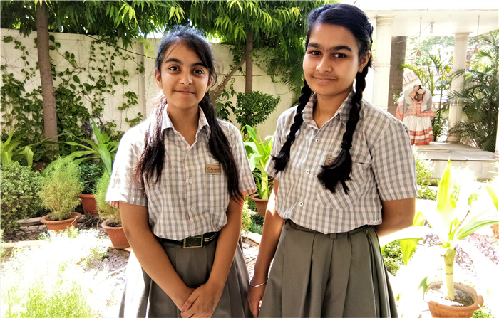 Uditi Mahindra and Ayushi Sharma - Ist Team Runner Up At Frank Anthony Memorial All India Inter School Debate Competition  - 2018 (Ratanlal Nagar)
