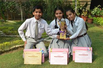 Uditi Mahindra, Ria Malhotra and Saksham Kankani. First in All U.P English Quiz hosted by Barry O Brein at Sunbeam School, varanasi (Ratanlal Nagar)