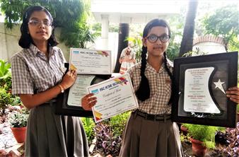 Samriddhi Tiwari (left) Ananya Dixit ICSE Inter School Hindi Debate Competition (Ratanlal Nagar)