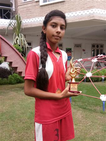 Nancy Yadav - Best Runner at Inter School ICSE U-17 Kho Kho Championship - 2018 (Ratanlal Nagar)